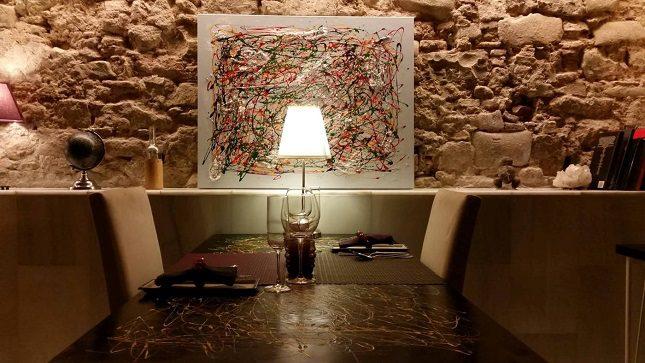 El Tast-Ller es un curioso restaurante que se encuentra situado en el barrio gótico de Barcelona