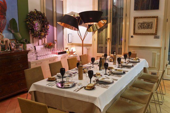 El menú se compone de siete platos, dos aperitivos y dos postres