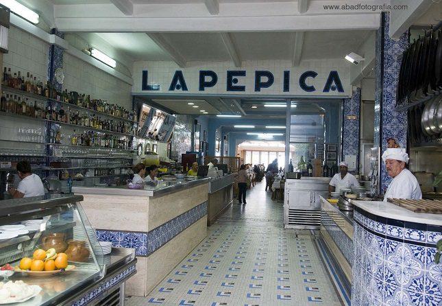 El restaurante La Pepica es seguramente de los más históricos de Valencia