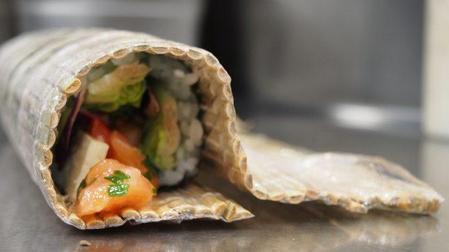 Elaborados con una base de arroz, la salsa que más te guste y los ingredientes que prefieras