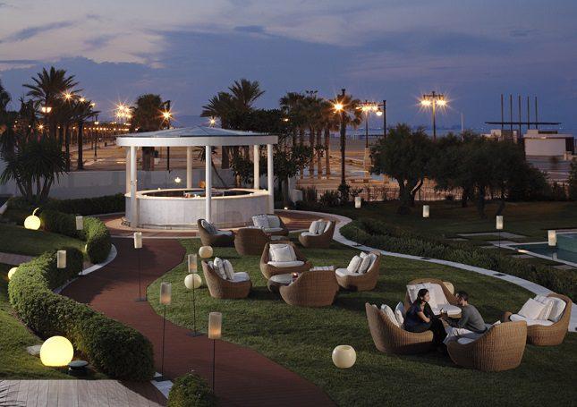Su cercanía al mar te permite disfrutar de noches frescas en verano o escuchar el sonido del mar