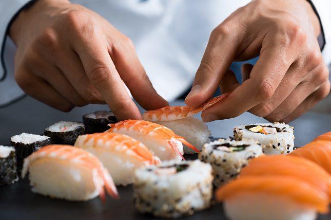 Por lo general se suele asociar al sushi con el pescado o marisco crudo