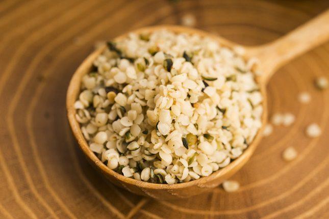 Las semillas de cáñamo contienen edestina y albúmina, dos proteínas muy importantes que contienen aminoácidos
