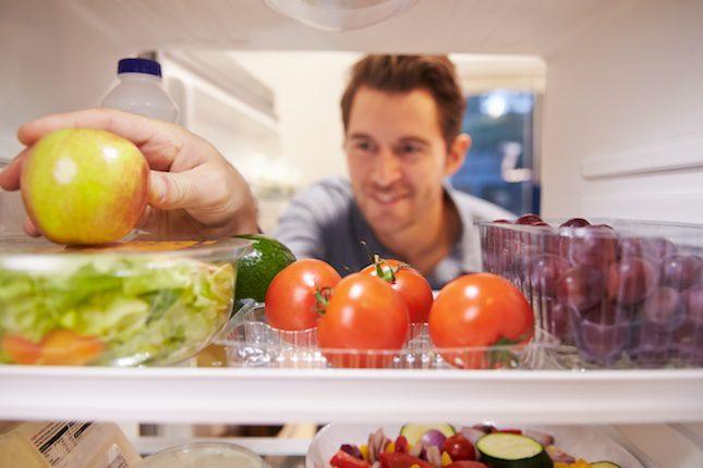 Dedica un estante de tu nevera a una comida diferente