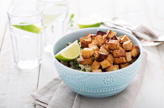El tofu es un alimento muy saludable y popular en el zona oriental