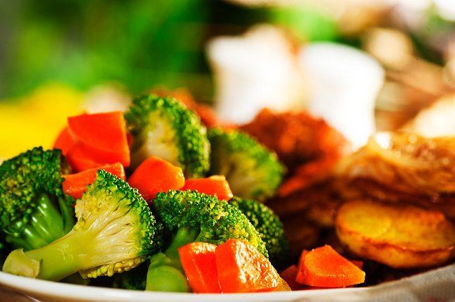 Recuerda que el brócoli lo puedes hervir con agua, cocerlo al vapor o con una olla a presión