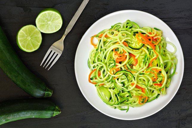 Los espaghettis de calabacín son una alternativa con menos azúcar que la pasta de trigo