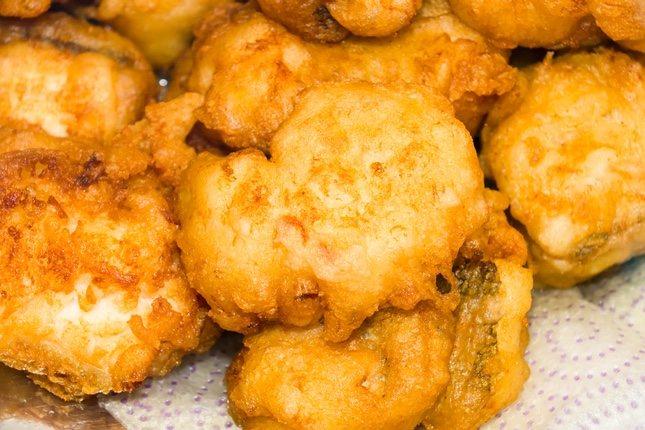 Las tortillitas de bacalao, un plato estrella de la gastronomía española