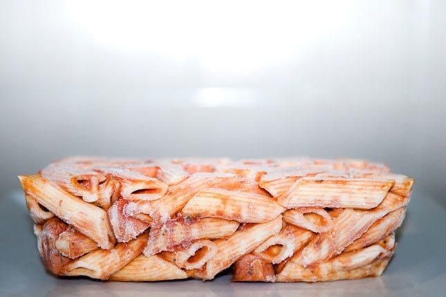 Cuando se pone la comida en el congelador, se reduce su calidad