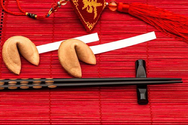 Los palillos son los cubiertos tradicionales de la gastronomía oriental