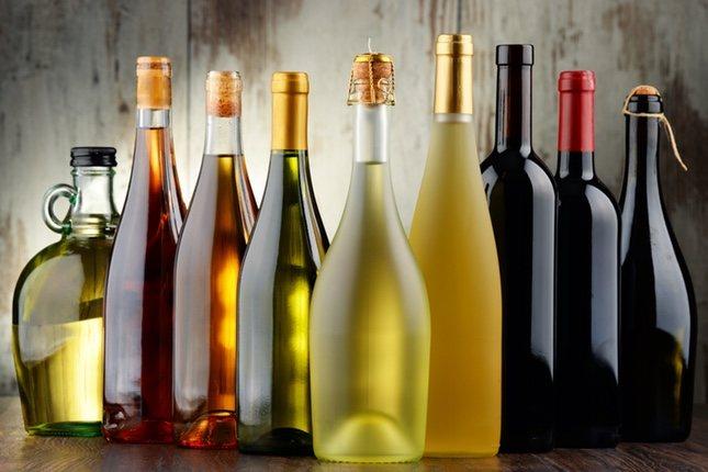 Las bebidas alcohólicas con una graduación superior al 10% no llevan fecha de caducidad, así como el vinagre