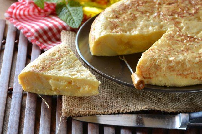 La tortilla de patatas siempre será uno de los platos preferidos de los niños