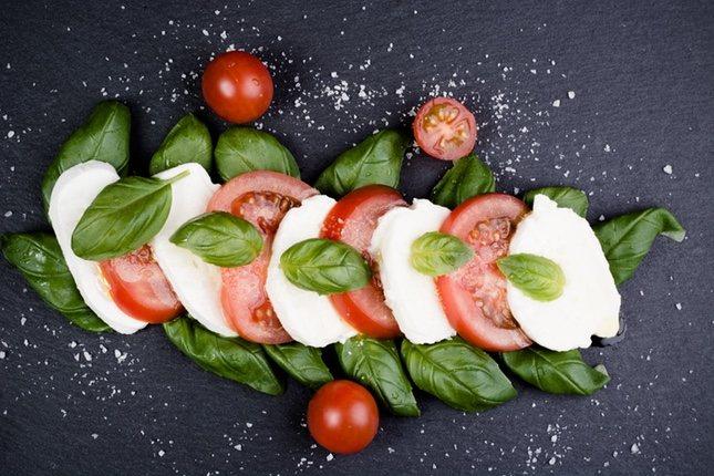 Los colores de esta ensalada recuerdan a la bandera italiana