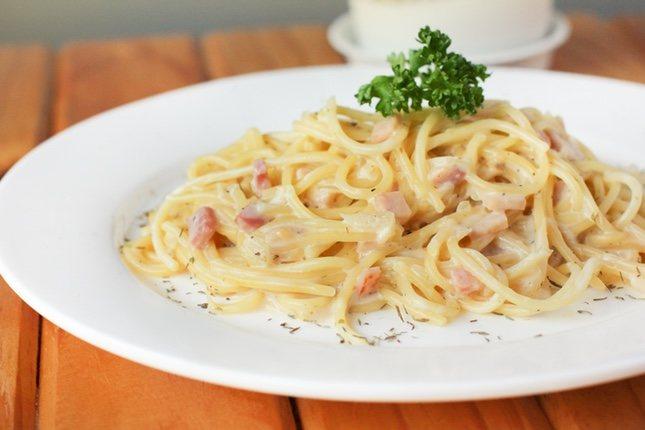 La salsa carbonara es propia de la región de Lazio