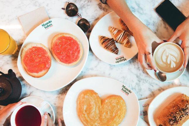 Los mini-croissants son la insignia por excelencia de Manolo Bakes