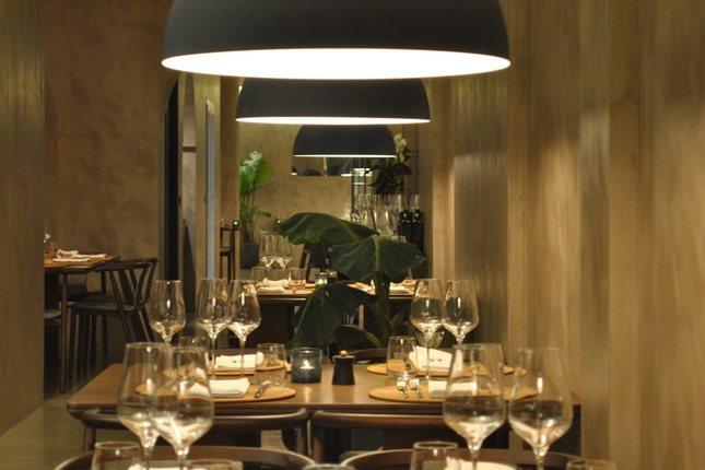 El restaurante Pante está decorado al estilo de la isla de Pantelaria