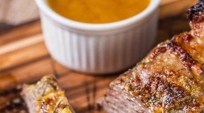 Secreto ibérico con salsa de mostaza