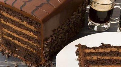 Pastel de chocolate y cerveza